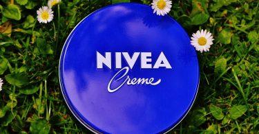 Se pone cremita… ¡no!… se pone verde. La sustentabilidad llega a Nivea.