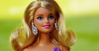 Muñeca. Los beneficios de los juegos offline: Mattel