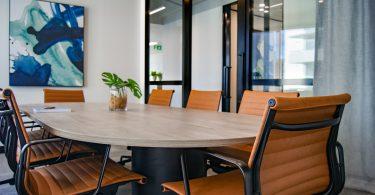 Sala de juntas. PyMEs carbono neutral ¿es posible?