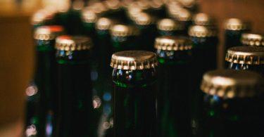 Cerveza. La cerveza que redujo emisiones cambiando el diseño de su botella