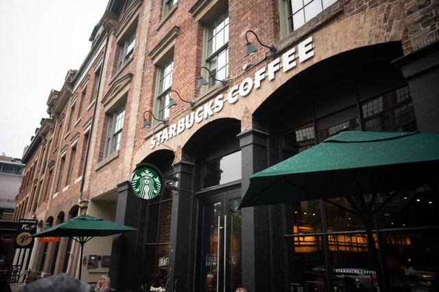 Starbucks. Mujeres CEO en Fortune 500, rompiendo records