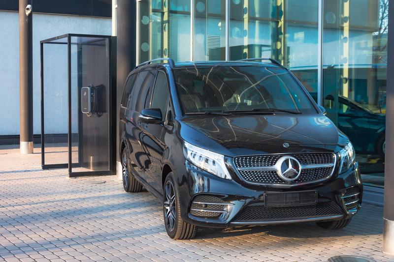 Mercedes-Benz, la siguiente en sumarse a la carrera de autos eléctricos