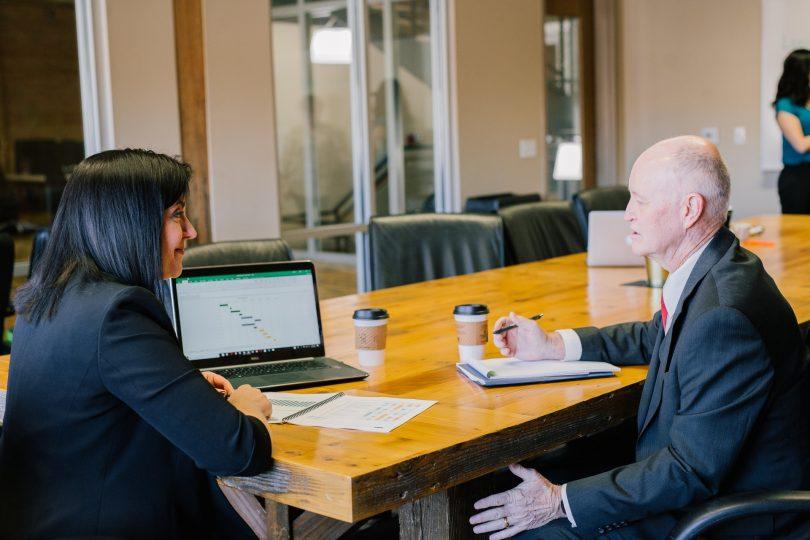 Discriminación por edad, obstáculo para un negocio exitoso