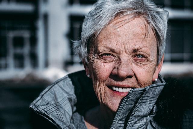 discriminación por edad y suposiciones de desempeño