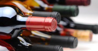 Estos emprendedores quieren que empieces a reutilizar las botellas de vino