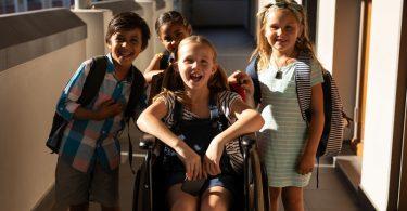 ¿Qué es la ropa adaptable? Lo mejor para la infancia y el planeta