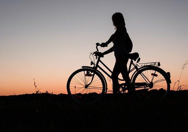 características de una escuela sustentable traslado en bicicleta