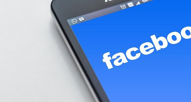 redes sociales vs el talibán